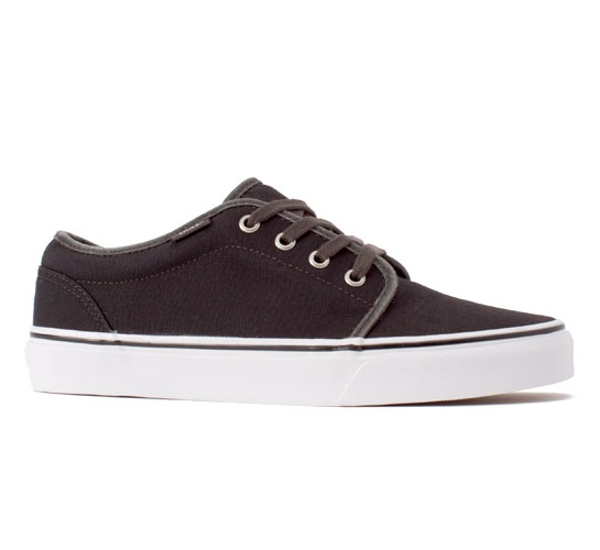 Vans 106 Vulcanized (Garment Dye Black)