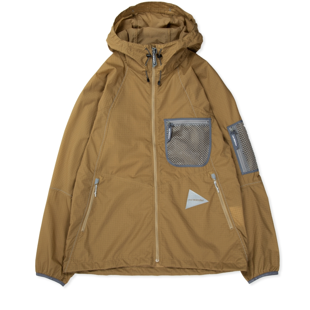 and wander Breathable Ripstop Hooded Jacket (Beige)