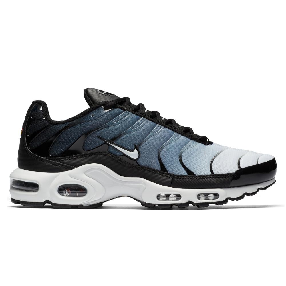 air max plus black and white