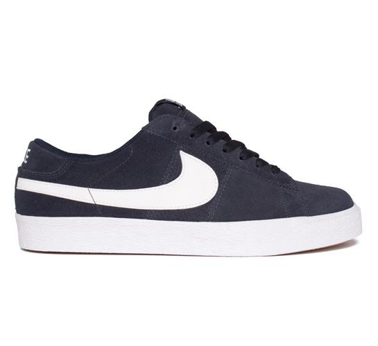 Nike SB Blazer Low (Dark Obsidian/White)