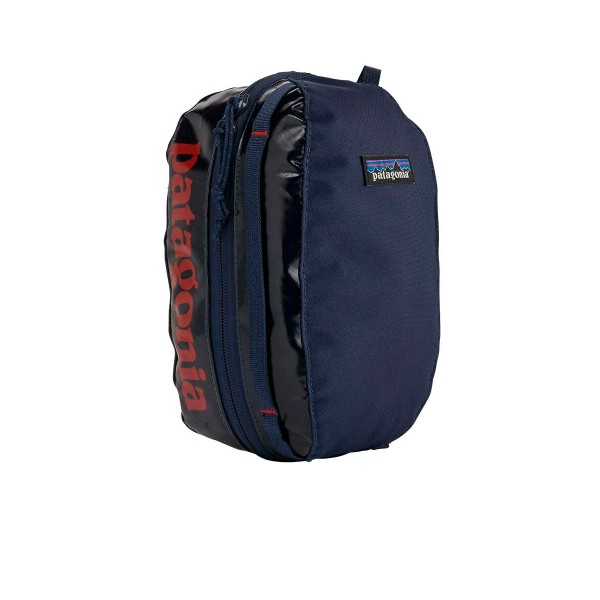 Patagonia Black Hole Cube Small (Navy Blue w/Paintbrush Red)