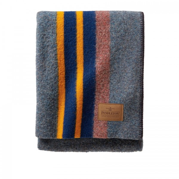 Pendleton Yakima Twin Camp Blanket With Leather Carrier (Navy Mix)