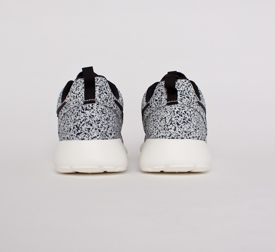 enaqsa Nike Roshe Run Black Sail Speckle prof-removals.co.uk